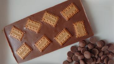 Individuelle, handgefertigte Vollmilch-Schokolade in Tafelform